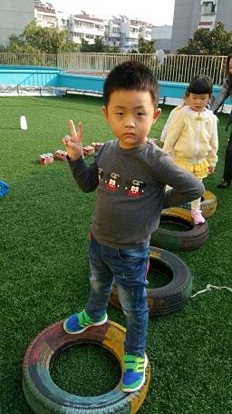 小朋友都能早早的来到幼儿园开始晨间锻炼呢.